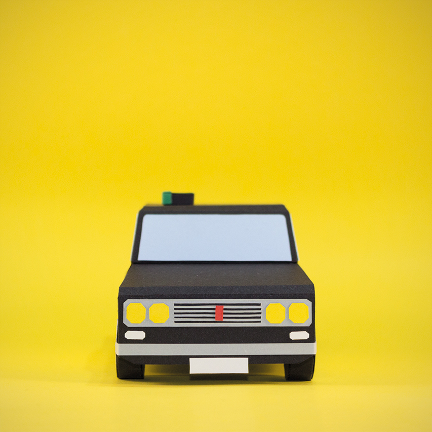 taxi-barcelona-papercraft
